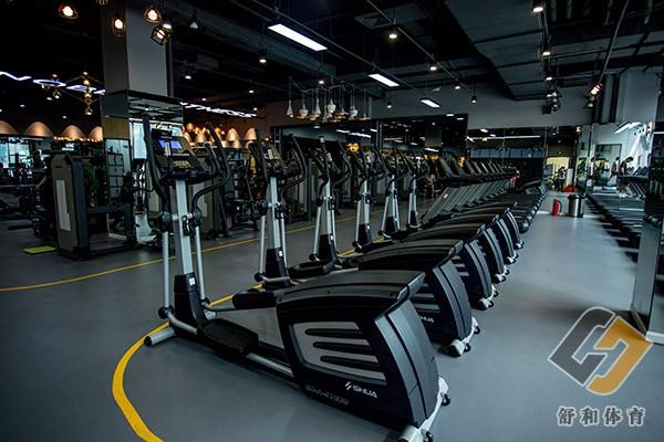 舒华健身器材打造专业健身房